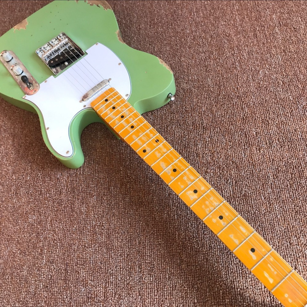custom shop,Electric Guitar.6 Strings Maple fingerboard,green color relics gitaar.relics by hands.alder body guitarra enlarge