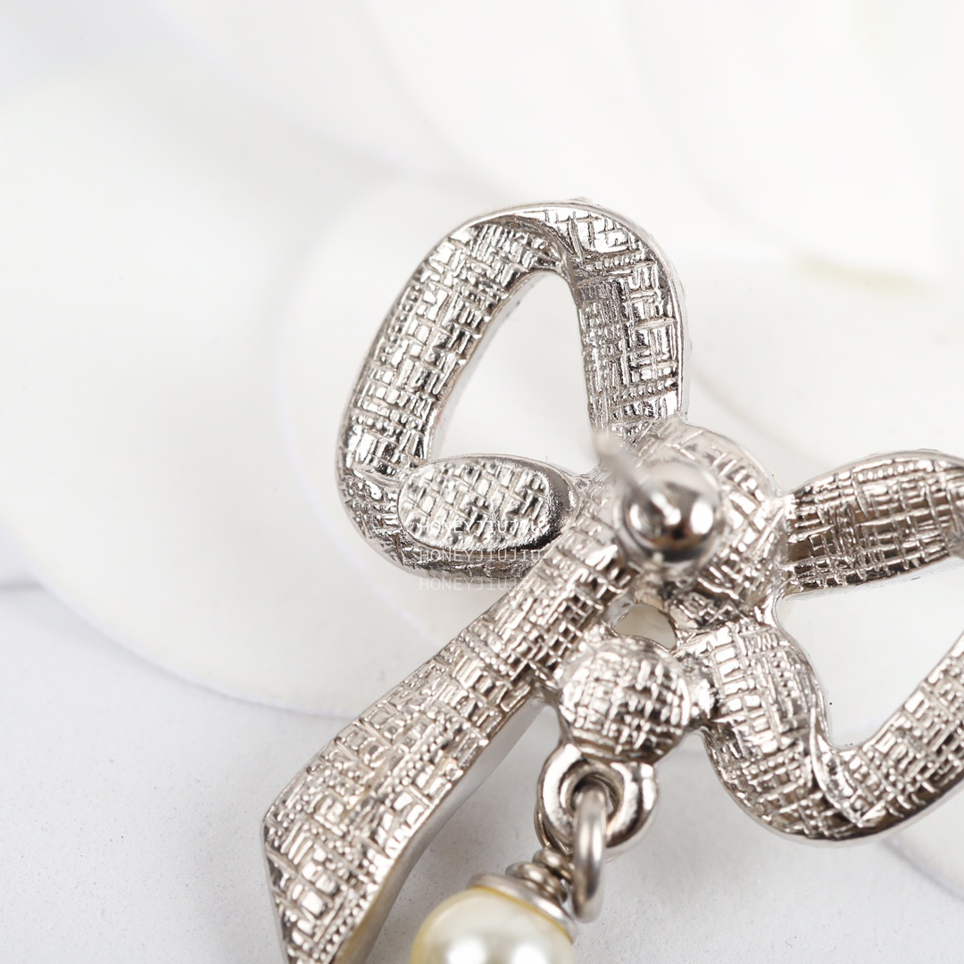 2021 Famous Brand Pearl Sweet Crystal Bow Earrings For Women Luxury Jewelry Top Quality Runway Designer Trends