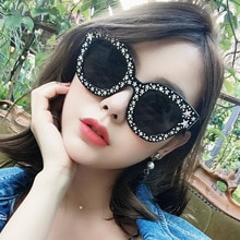 Oversized Diamond Square Sunglasses Women Luxury Brand Vintage Flat Top Pink Black Rhinestone One Pi