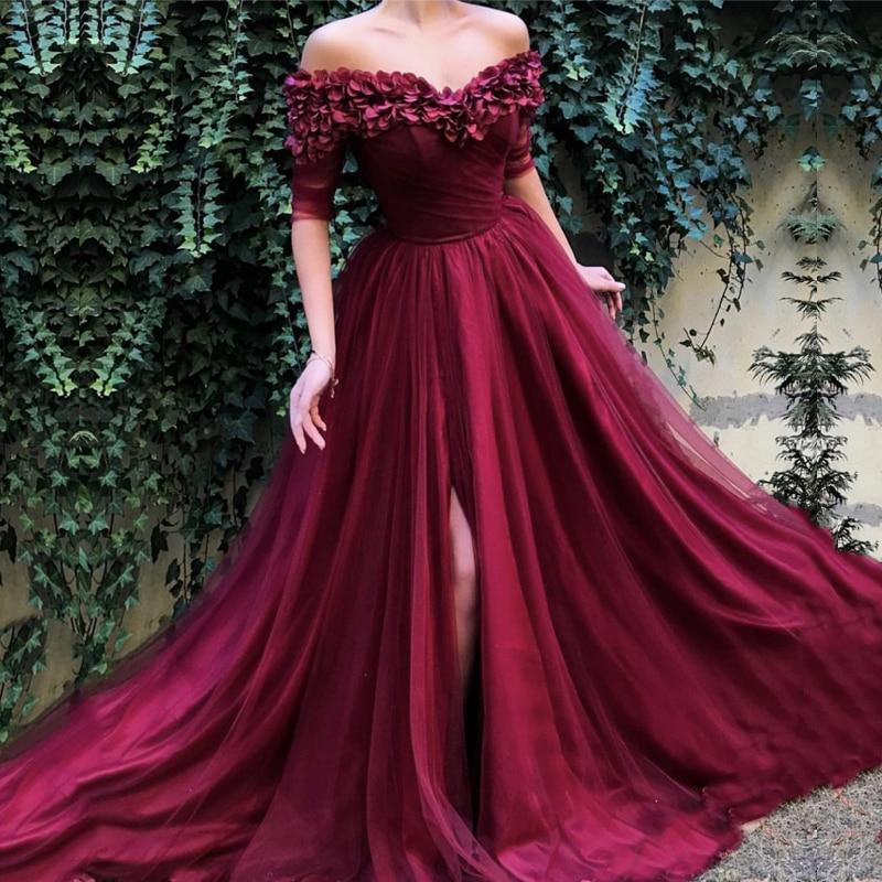 فستان سهرة أحمر 2019 ، أكتاف عارية ، خط a ، نصف كم ، تول ، شق ، طيات ، دبي ، المملكة العربية السعودية ، فستان حفلة