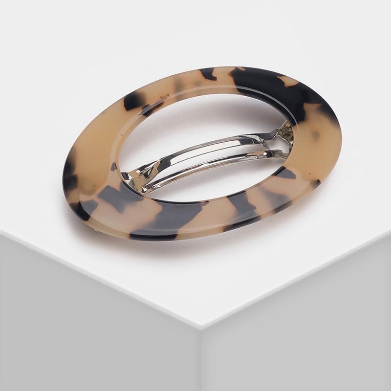Horquilla simple de moda con diseño ovalado de carey Amorita boutique