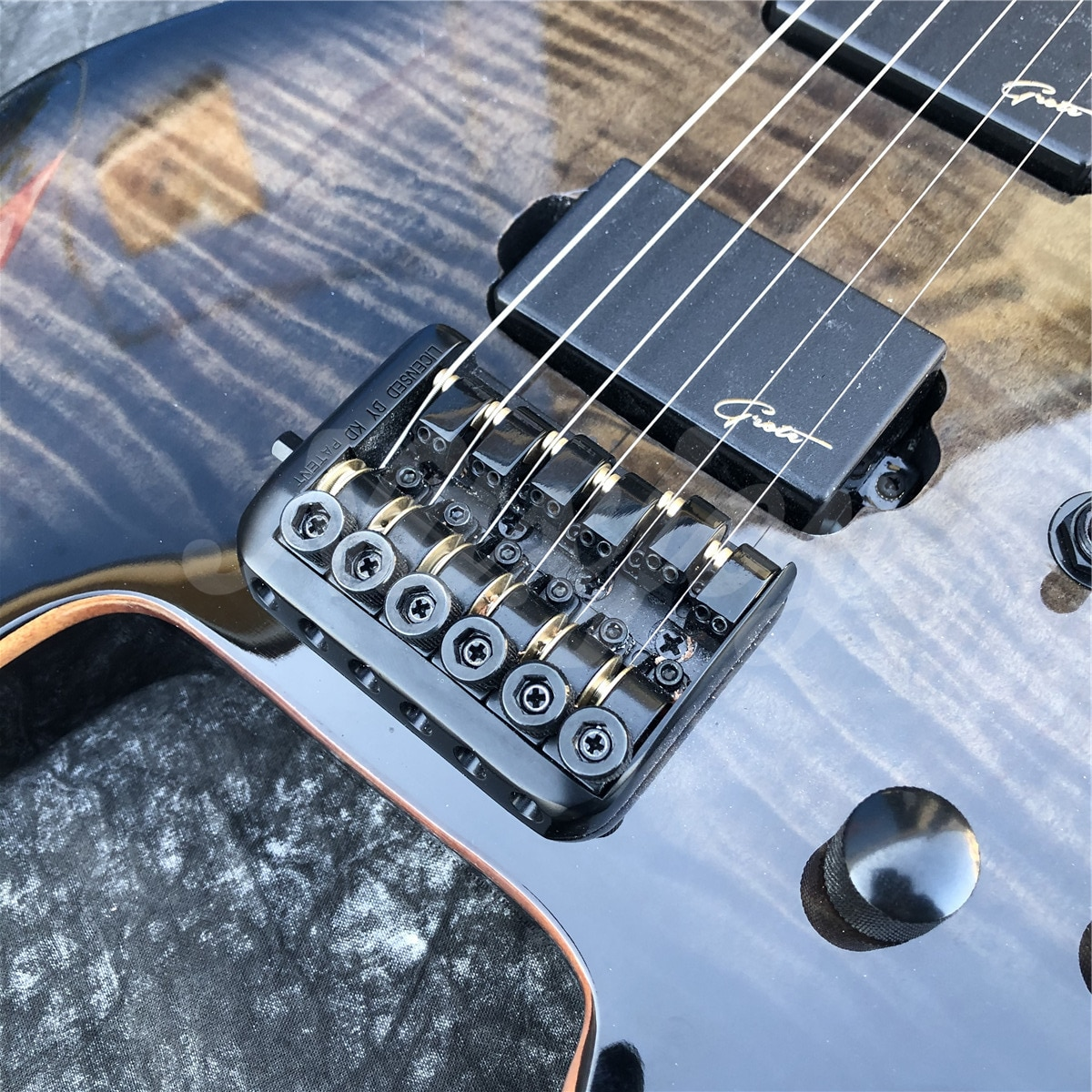 Grote Black Flame Maple Top Headless Electric Guitar,Solid Wood 6 Strings Guitarra,Real Photos,In Stock enlarge