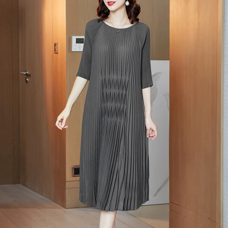 Plus Size Dress For Women 45-75KG Spring Summer 2021 Round Neck Half Sleeve Stretch Miyake Pleated Loose Solid Color Dresses