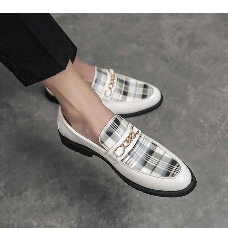 2021 New Men Shoes Fashion Casual Pu Splicing Lattice Metal Decoration Comfortable Versatile Hot Classic Men Casual Shoes  ZZ300