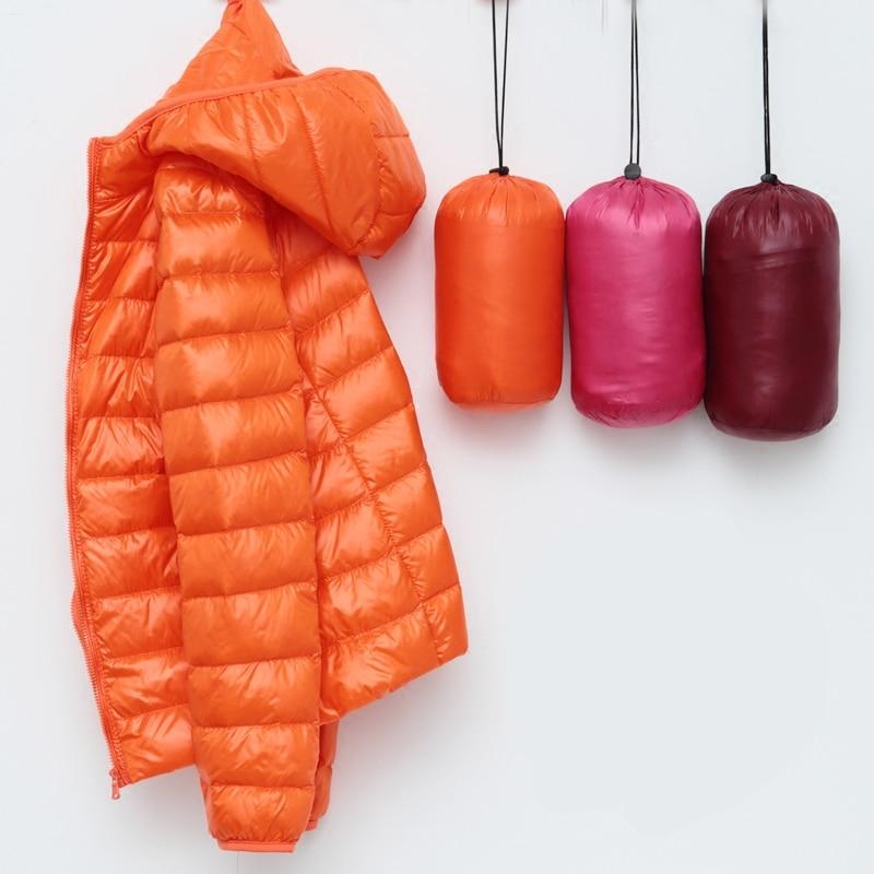 Artı boyutu Ultra hafif şişme mont kadın kapşonlu Eiderdown giyim 2020 sonbahar kış ceket Ultralight beyaz ördek hafif Parka