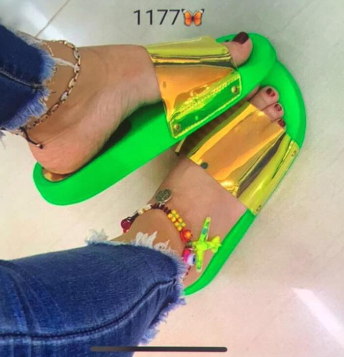 Zapatillas de playa de PVC de Color arcoíris para mujer, Sandalias planas de Punta abierta para mujer, sandalias con plataforma de Color caramelo para niñas