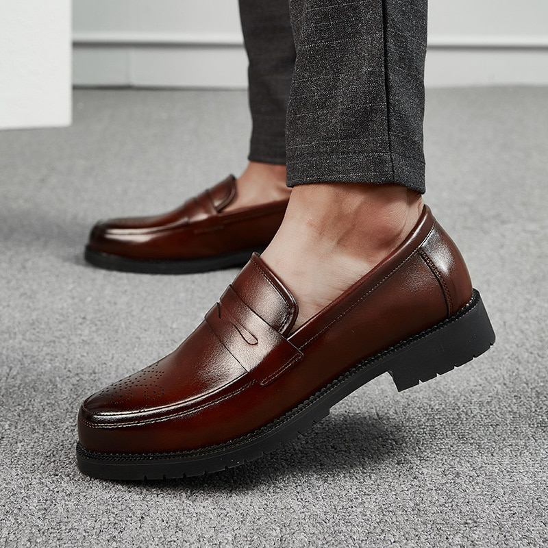 Zapatos informales de moda para hombre, zapatos negros sólidos, zapatos de deslizamiento para exterior para hombre, mocasines Penny, zapatos brogue para hombre, zapatos informales de estilo británico