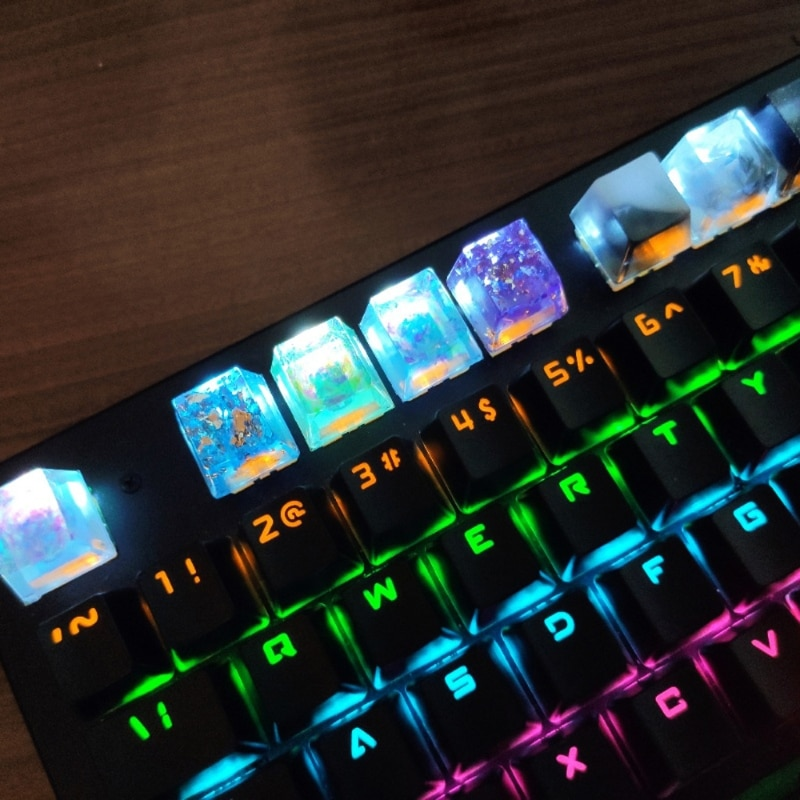 Handmade Customized OEM R4 Profile Resin Keycap for Cherry MX Switches Mechanical Keyboard RGB Translucent Resin Keycap