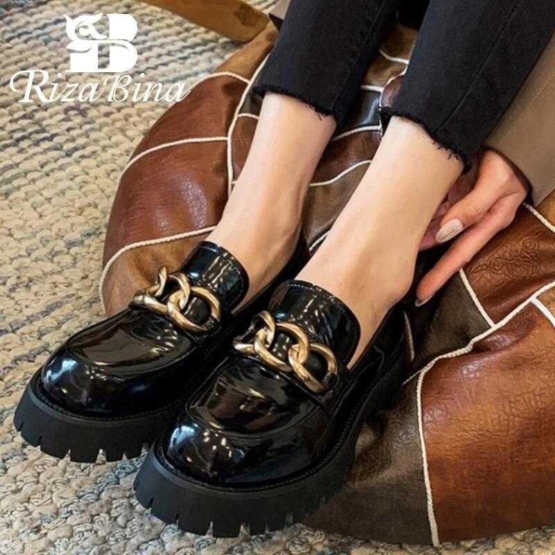 RIZABINA-حذاء نسائي من الجلد الطبيعي بمقدمة دائرية ، حذاء نسائي بكعب سميك ، حزام متقاطع ، سلسلة معدنية ، لون سادة ، كاجوال ، مقاس 34-39