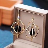 2021 luxury crystal temperament creative high end womens earrings long irregular d letter pearl pendant earrings brincos hotel