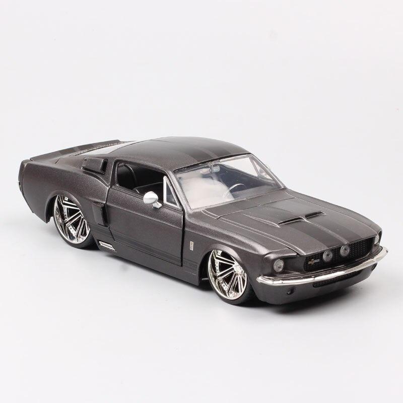 1/24 Jada classics 1967 ford Mustang Shelby GT500 fastback Diecast modelo de coches de escala de coches de carreras de vehículos para la colección souvenir Niño