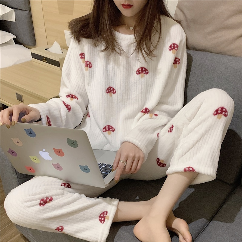 Winter Women's Flannel Pajamas Two-piece Home Loose Comfortable Warm Set Pajamas 2020 New