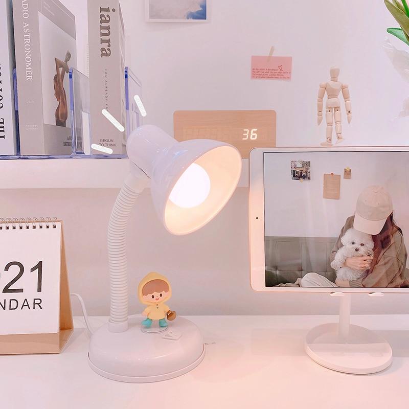 مصباح طاولة حديث قابل للتعديل على الطراز الصناعي ، تصميم كرتوني لطيف ، مثالي لغرفة النوم أو المكتب أو القراءة.