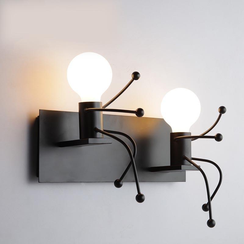 مصباح جداري حديد بشري ، تصميم حديث ، إضاءة زخرفية داخلية ، مثالي لغرفة المعيشة أو غرفة النوم أو الحمام.
