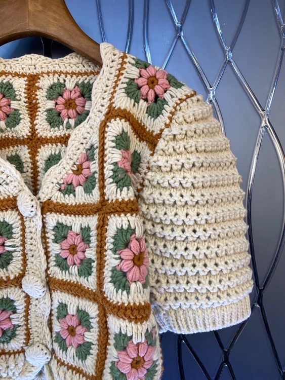 2021 Autumn Fashion Cardigans High Quality Women V-Neck Crochet Knitting Flower Patterns Short Sleeve Casual Vintage Sweater Top enlarge