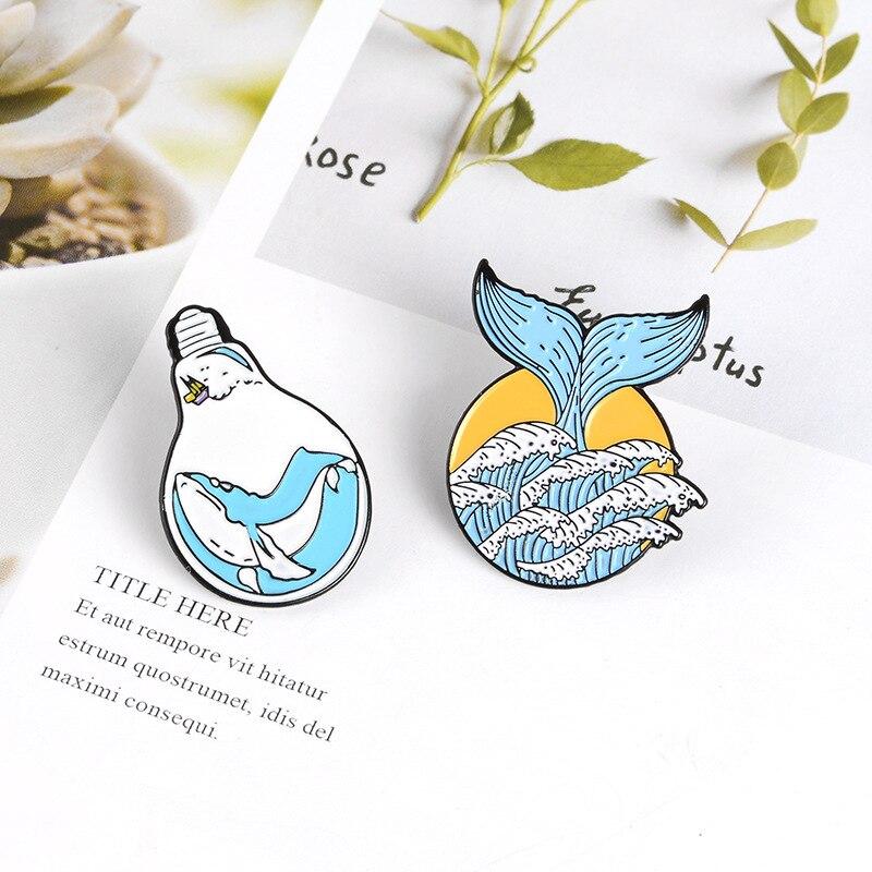 Gran calidad, elegante ballena de cola de sirena marina, Bombilla creativa, broche de ballena, insignia, chaqueta vaquera, collar, accesorio de mochila, icono