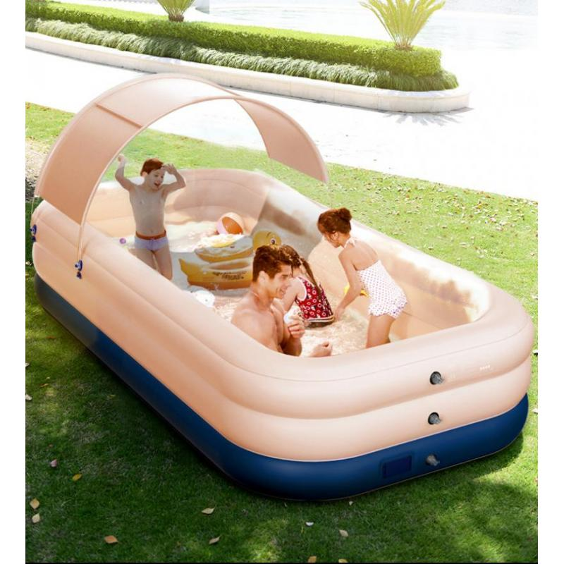 حوض سباحة كبير في الهواء الطلق ، مربع ، كرة رملية ، ألعاب حمام سباحة للأطفال والعائلة