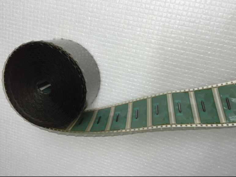LS0610BH1-C2LX علامة التبويب الجديدة COF IC وحدة الأصلي بكرة packagingOriginal بكرة التعبئة والتغليف