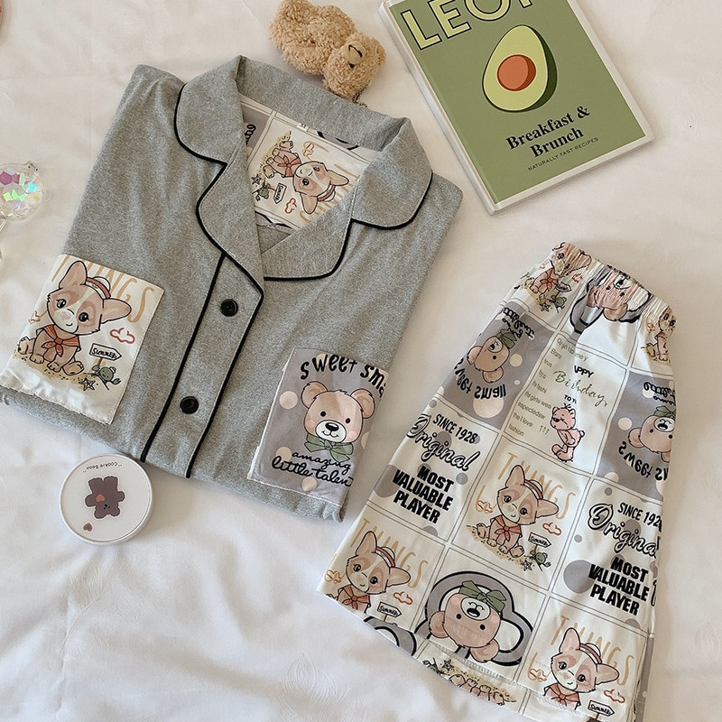 Милые пижамы для женщин, летние пижамы Kawaii с принтом медведя для девочек, корейские пижамы с отворотом размера плюс, свободные пижамы из дву...
