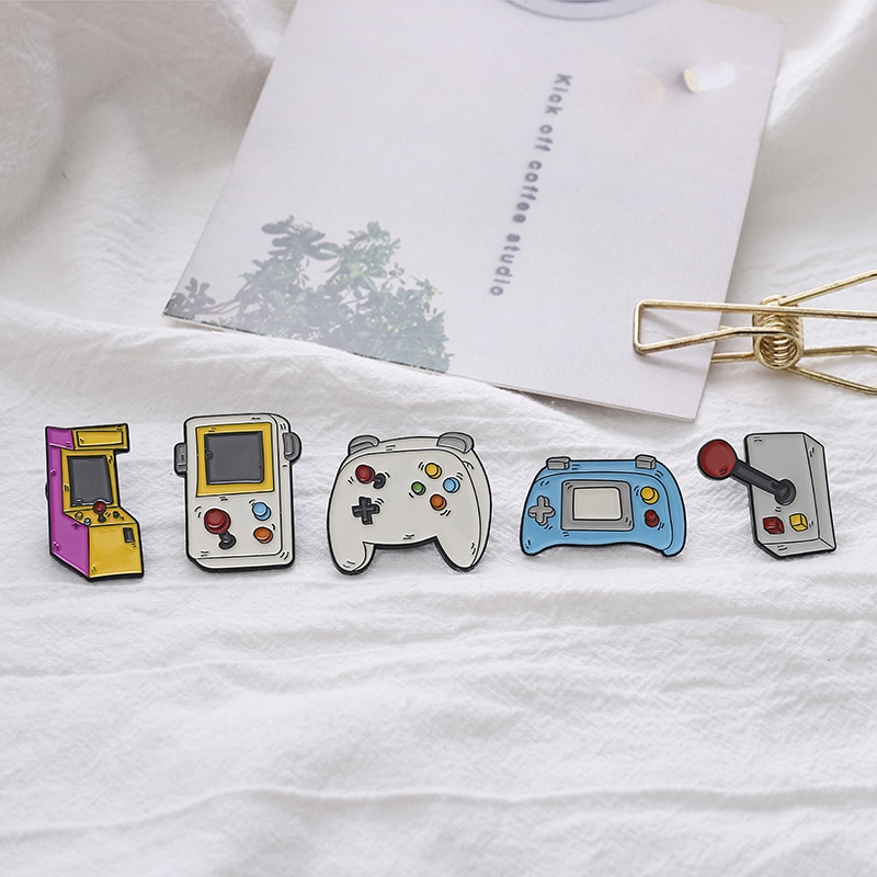 Play it! Old classic game console enamel pin handle torsion bar display game button machine badge punk brooch jewelry to friends  - buy with discount