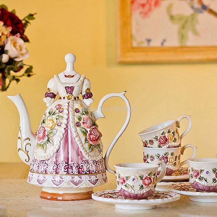 2018 Newest Nobility Beauty Dress Coffee Pot Ceramic Teapot Drinkware Royal Wedding Party Tools Tea Pot Set Tableware Gifts