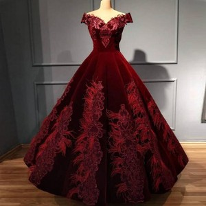 Burgundy Off The Shoulder Prom Dresses Lace Appliques A Line Evening Gowns Saudi Arabia Lace Up Back Robe De Soiree Formal Wear