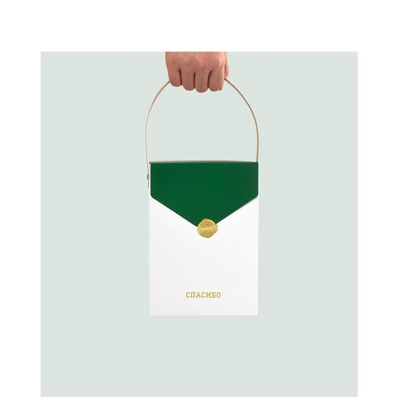 Cajas de Regalo rusas de papel de aluminio verde dorado embalaje con asa bolsas de papel Kraft para fiesta de boda