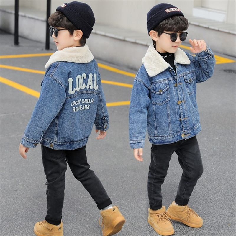 Boys' fleece-lined denim jacket autumn and winter new children's fashionable thickened spring, autumn and winter clothing jacket enlarge