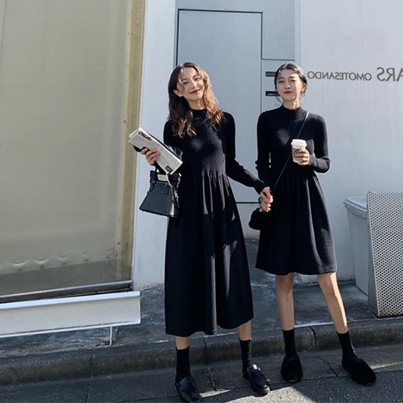 Женское трикотажное облегающее платье-свитер средней длины, Осень-зима