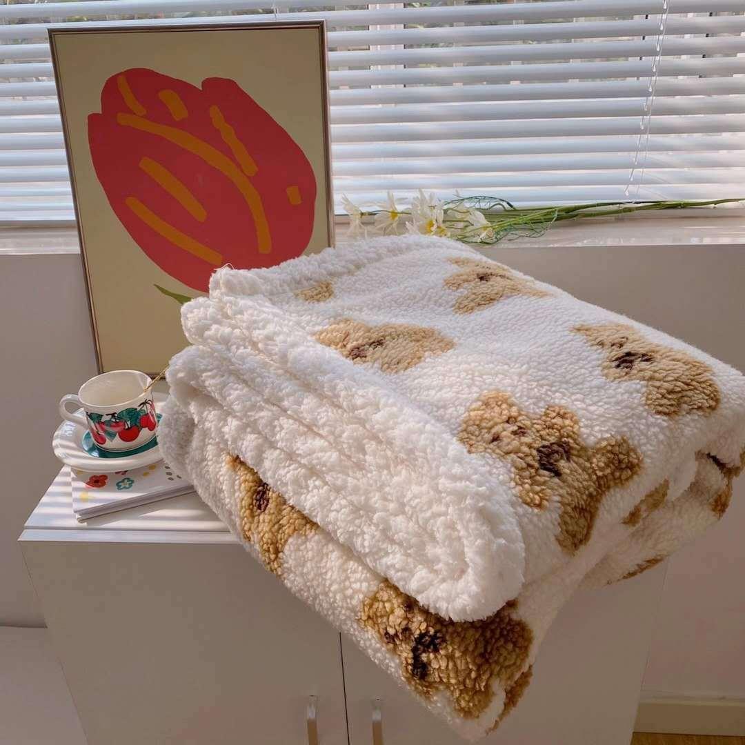 عصرية وبسيطة الضأن المرجان أفخم لينة أريكة شال طالب دافئ طبقة مزدوجة الأطفال لطيف ديكور بطّانية سفر