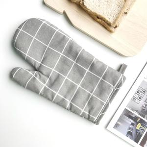 Heat and heat resistant microwave oven gloves heat resistant kitchen baking oven gloves