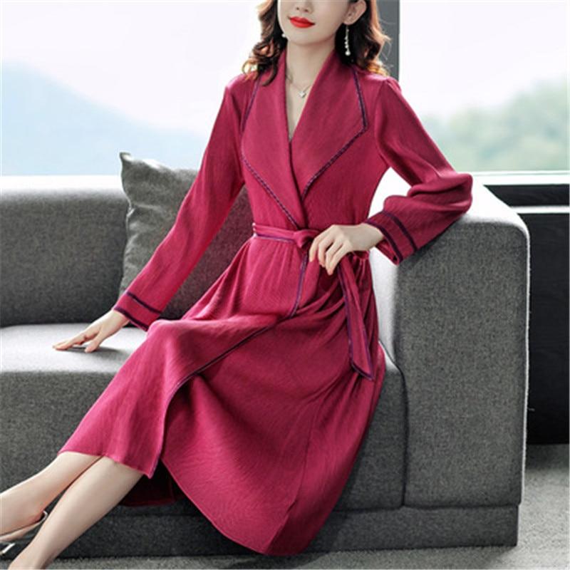 Miyake أضعاف سترة واقية فستان المرأة أوائل الخريف جديد بدلة على الموضة طوق فضفاض و رقيقة حزام منتصف طول سترة واقية سترة