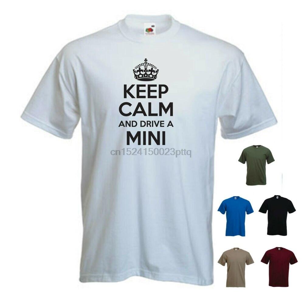 Mantener la calma y conducir un Mini Clubman Austin Mini Cooper 1274GT camiseta