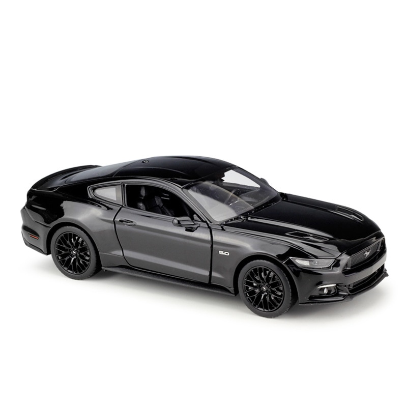 WELLY 1:24 2015 Ford Mustang GT Metal Luxury Vehicle Diecast Pull Back Cars Model Toy Collection Xmas Gift ixo altaya 1 43 scale ford mustang shelby gt 350h 1965 cars diecast toys models limited edition collection white