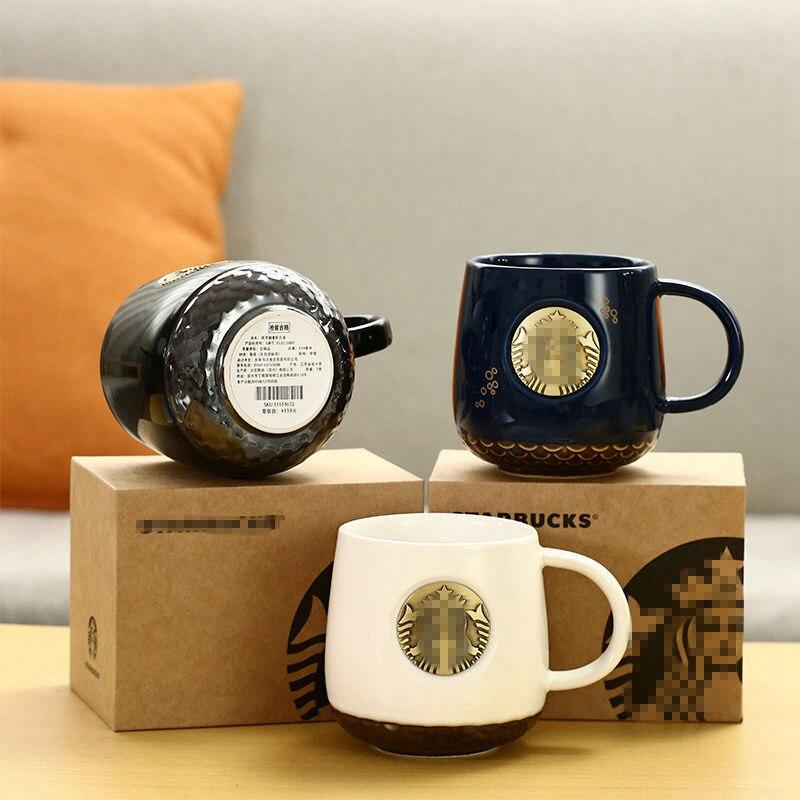 منتج جديد حورية البحر البرونزية ميدالية إلهة القدح كأس البرونزية مع شعار السيراميك الأسود والأبيض اكواب الثنائي فنجان القهوة