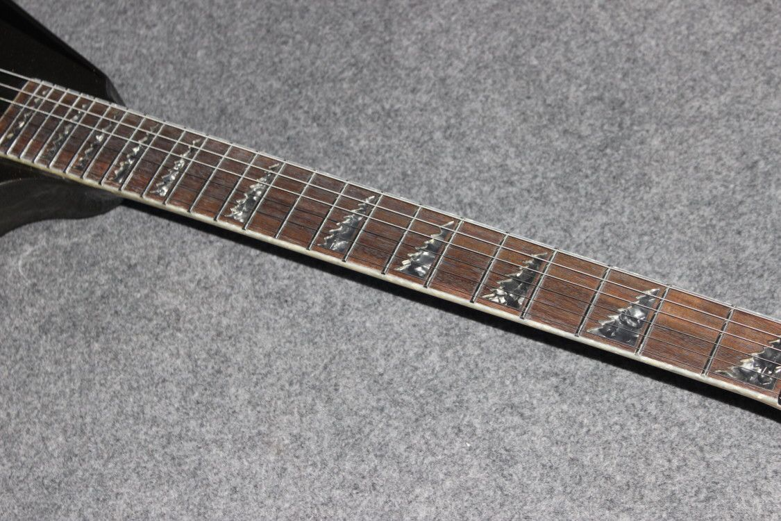 V shape electric guitar.white color gitaar,black hardware.handmade 6 stings jazz guitarra,Rosewood fingerboard enlarge