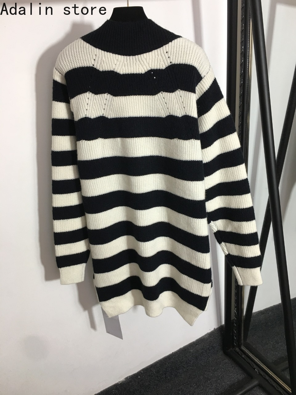 2021 high quality black and white stripe fashion women's Pullover wool blended V-Neck long sleeve knitted sweater knitted dress enlarge
