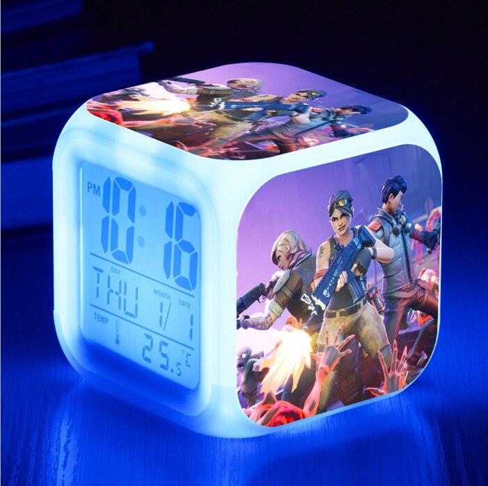 Juego de anime battle royale figura luminosa LED colorido Flash despertador Luz de escritorio con temperatura de acción de juguete para niños