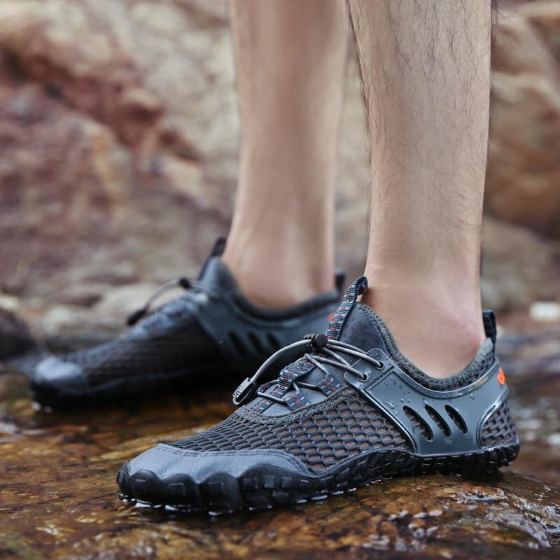 Zapatos acuáticos de malla transpirable, calzado plano para hombre, zapatillas deportivas elásticas para exteriores, calzado de agua para hombre, zapatillas ligeras antideslizantes