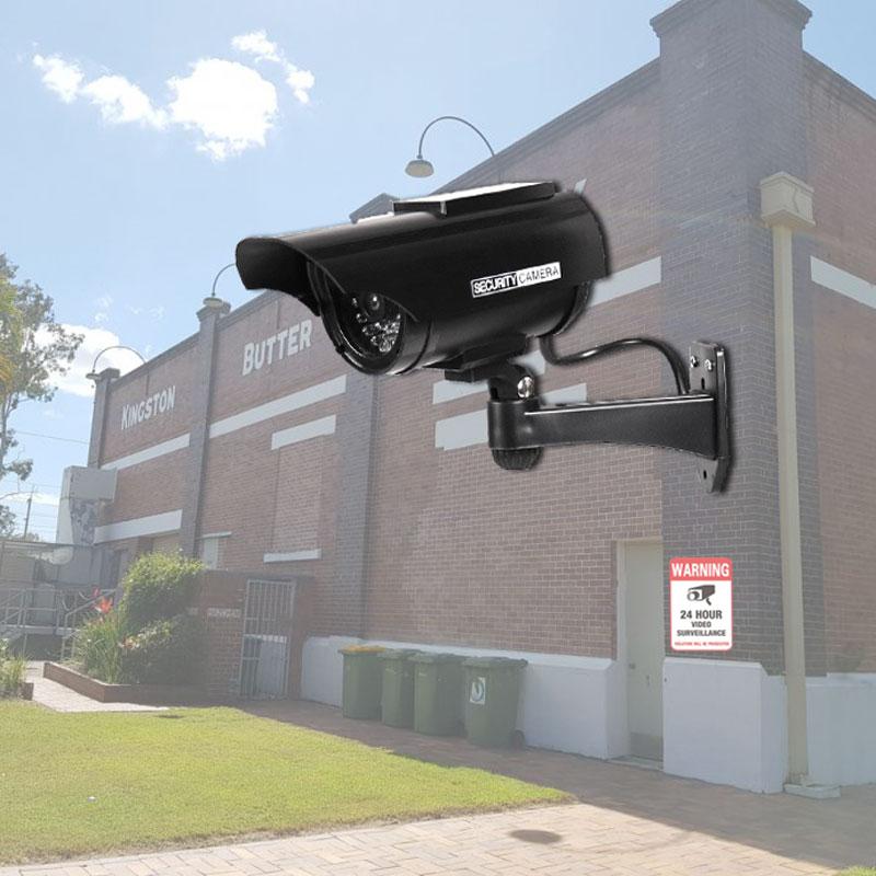 Cámara Solar simulación al aire libre a prueba de agua Hotel fábrica almacén vigilancia video cámara AA batería de potencia negro falso