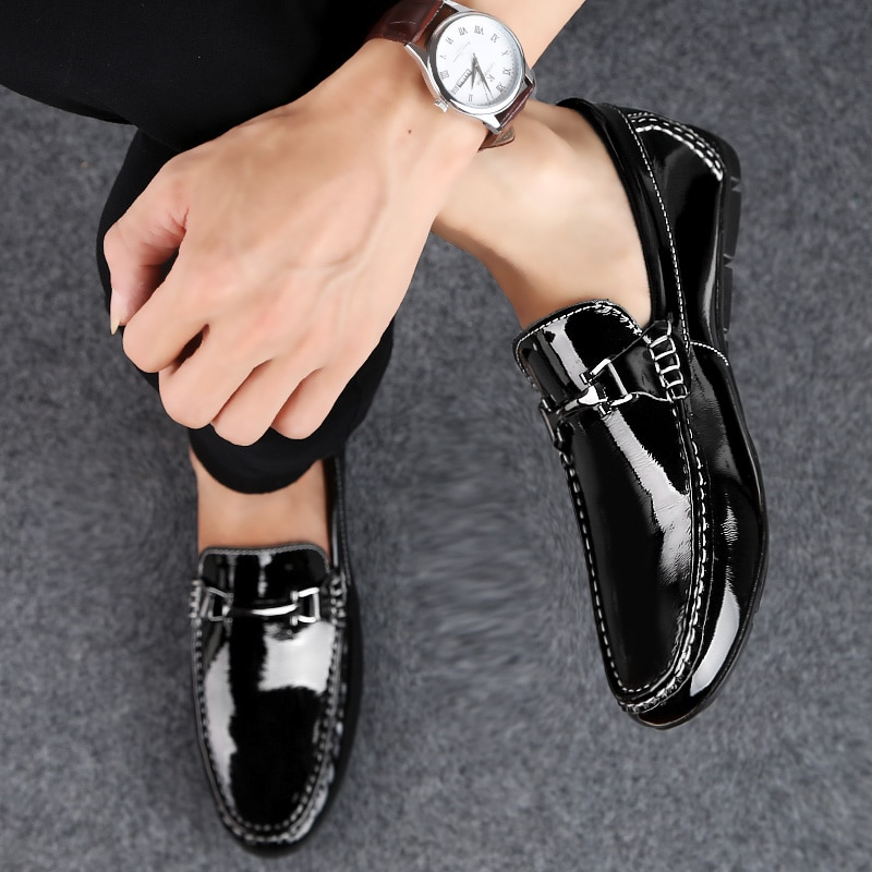 Men Casual loafers Genuine Leather Driving Shoes Slip On moccasins Zapatos de Hombre Leisure Breathable Footwear Male Shoes