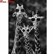 5D Diy Diamond Painting Interesting Giraffe with sunglasses Round square Rhinestones 3D Diamond Embr