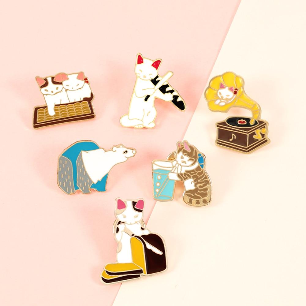 Broche de gato de dibujos animados Oso Polar fonógrafo pan gatos esmalte Pin bolsa solapa Pin Animal gatito insignia regalo de la joyería para niños amigos