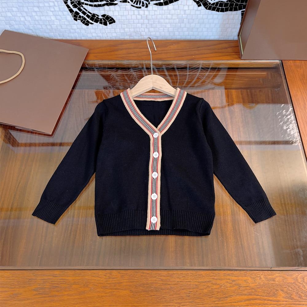 ملابس الأطفال المتفجرة لخريف/شتاء 2021 منتجات جديدة للرجال والنساء ، سترات الطفل متماسكة ، تصميم النمط البريطاني الرجعية