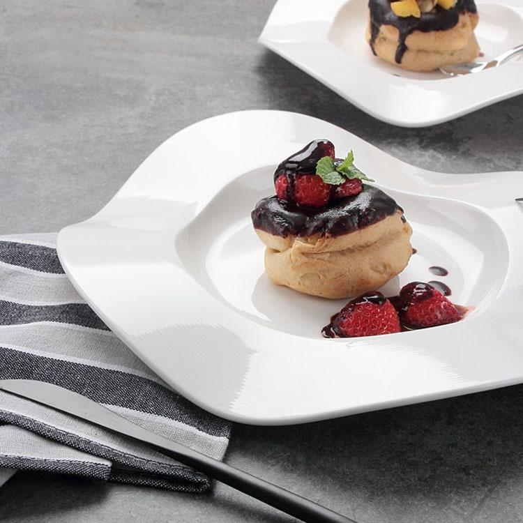 طبق تقديم الحلوى الفرنسية ، أطباق رائعة ، أطباق جزيئية ، أطباق ستيك ، وجبات خفيفة ، أطباق حلويات إبداعية من السيراميك على شكل خاص