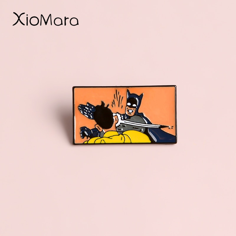 Meme Bruce Wayne Pines de esmalte gracioso caballero oscuro máscara de Super héroe película Comics de la joyería costumbre broches Pines de solapa para regalos de amigos