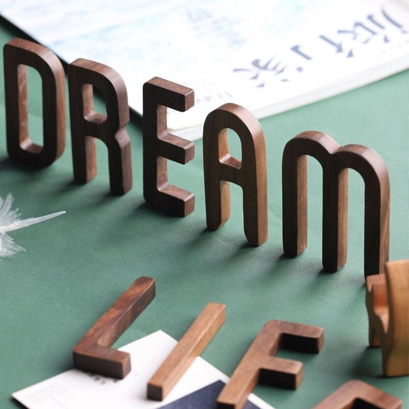 Musowood 1 قطعة الجوز خطابات خشبية عالية الجودة الأبجدية تصميم الإنجليزية DIY الحرفية الزفاف عيد ميلاد الحزب الرئيسية الجدار الديكور