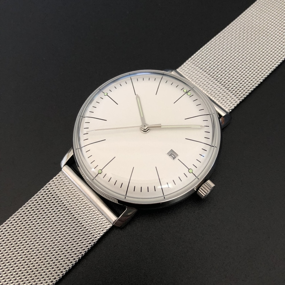 SD8102 No logo With date domed glass curved luminous hands stainless steel quartz watch