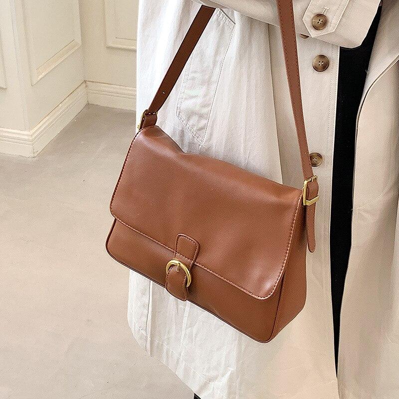 Сумка с мягкой поверхностью большой емкости, Новинка лета 2021, модная женская роскошная сумка-мессенджер на одно плечо для подмышек, маленькая квадратная сумка