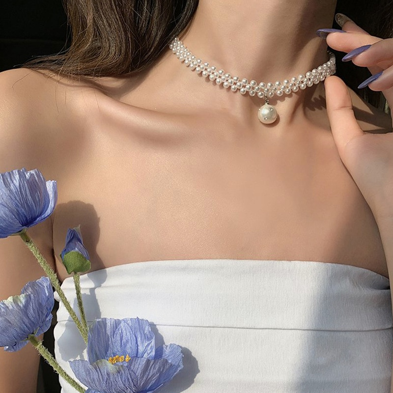 the pearl neclace Korean version of the pearl necklace female fashion personality light luxury simple pearl clavicle chain